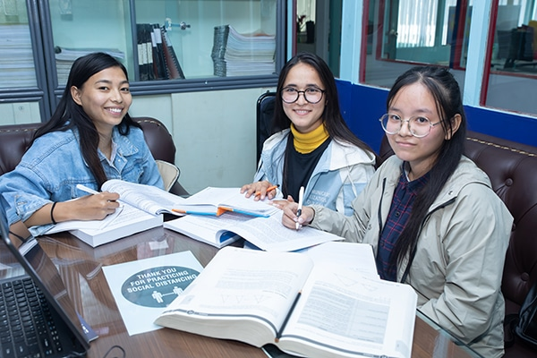 Documentation admission and scholarship